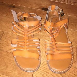 AMERICAN EAGLE Light Brown Leather Sandals